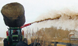 CFR650 Bale Pro® TOP GUN® blowing for bedding cattle